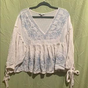 American Eagle white v-neck peasant top